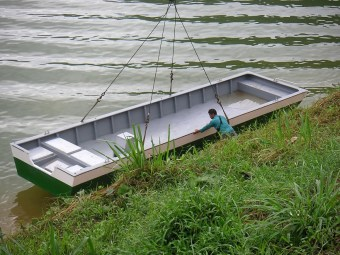 feeding-boat-for-grik-terapia-malaysia-sdn-bhd-company-l-30-ft-x-w-88-x-h-26-inches-01